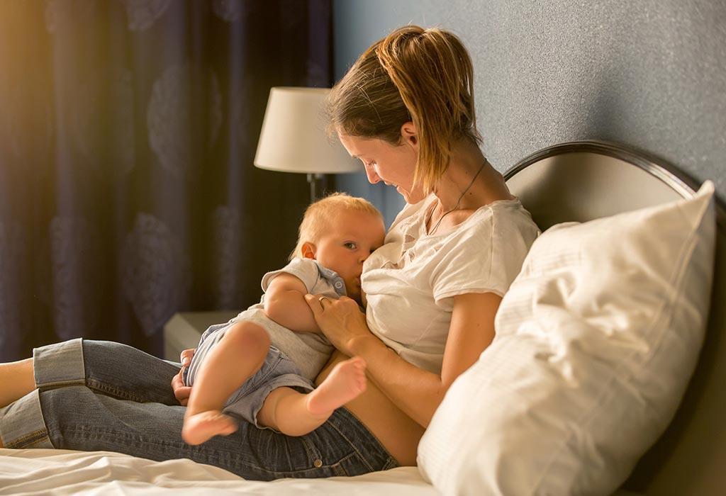 Posisi menyusui bayi yang tepat