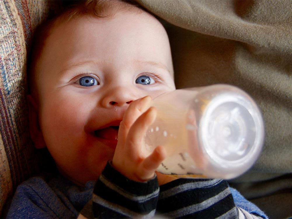 Botol susu bayi tips
